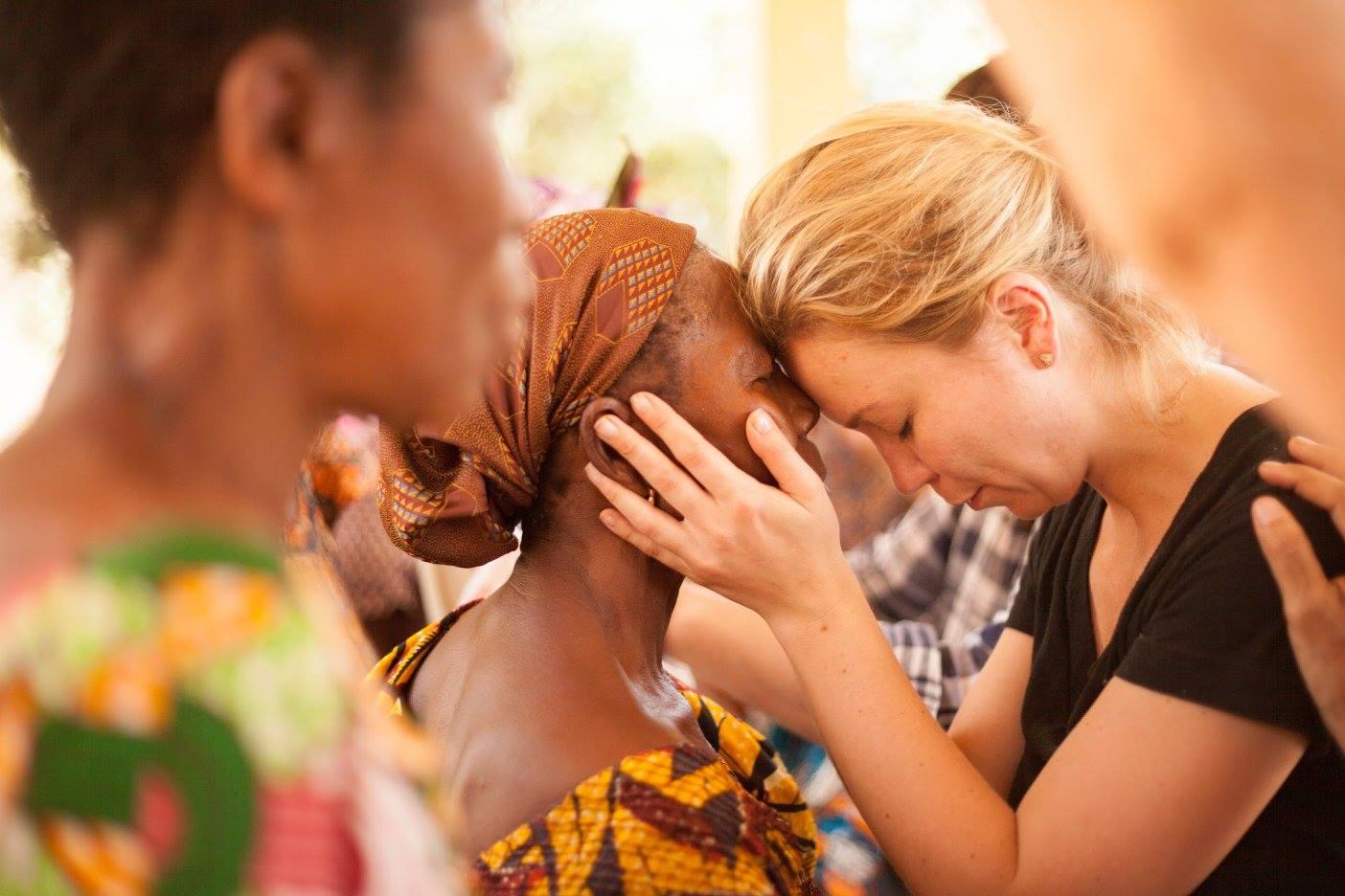 Naomi praying